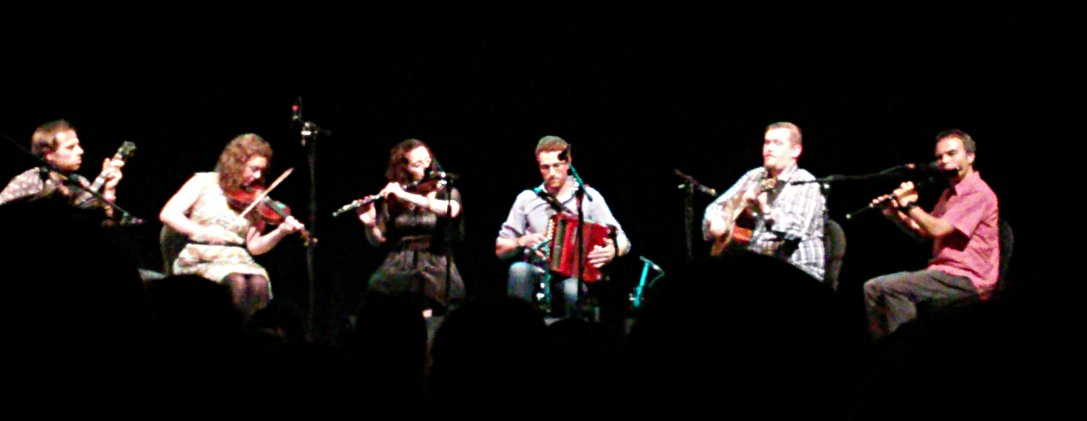 Ceol Aneas 2015 players on stage